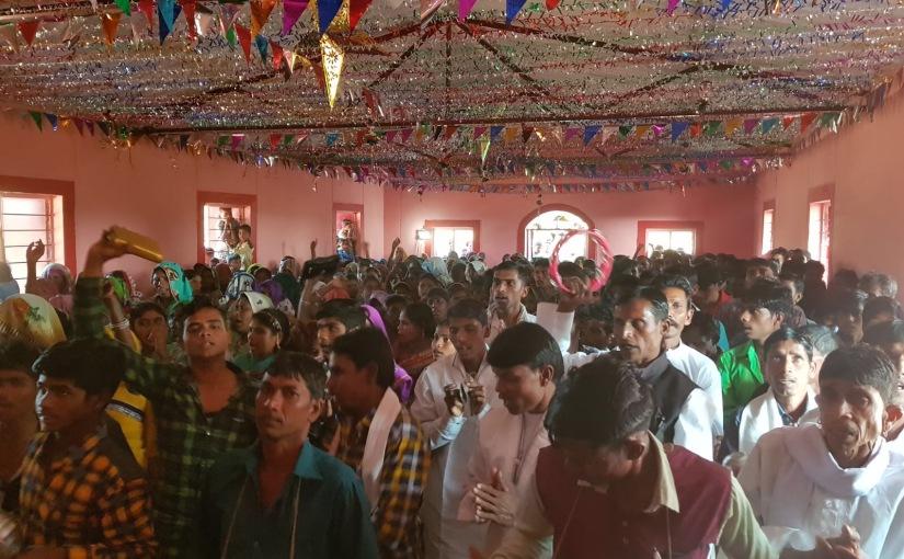 «Shalom Ministries» with Devadass inGujarat